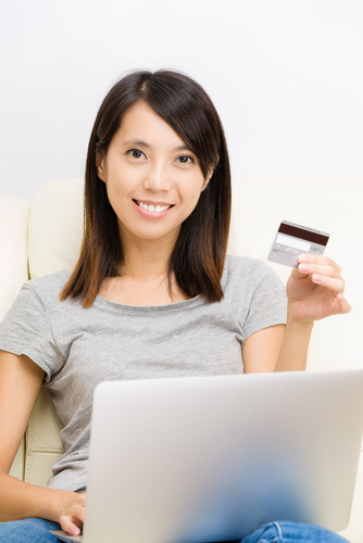 e-commerce and credit card usage online
